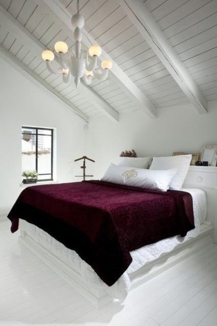 How To Decorate Your Bedroom With Marsala