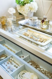 how-to-organize-your-jewelry-in-a-comfy-way-ideas-11