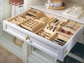 how-to-organize-your-jewelry-in-a-comfy-way-ideas-14