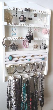 how-to-organize-your-jewelry-in-a-comfy-way-ideas-21