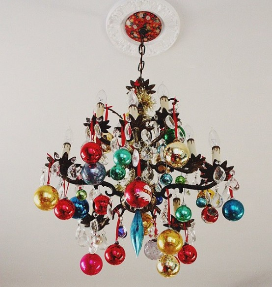 How To Use Christmas Ornaments In Home Decor 28 Ideas Digsdigs