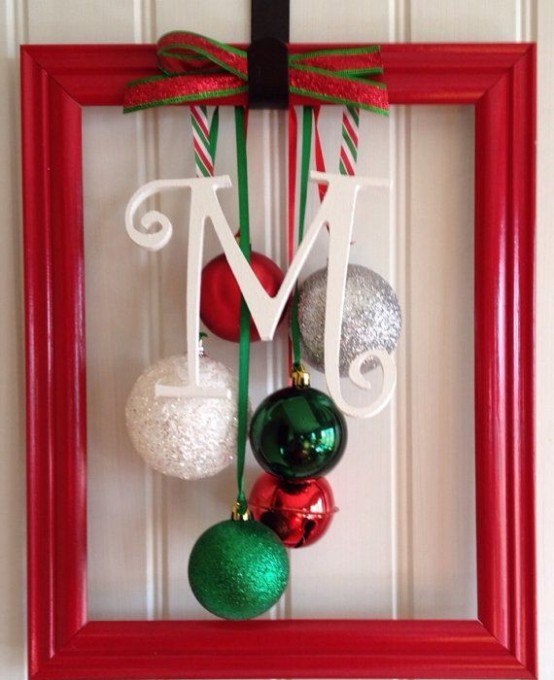 Shabby Chic Decorating Ideas: How To Use Christmas Ornaments In Home Decor: 28 Ideas