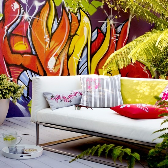 How To Use Graffiti In Interior Design Ideas