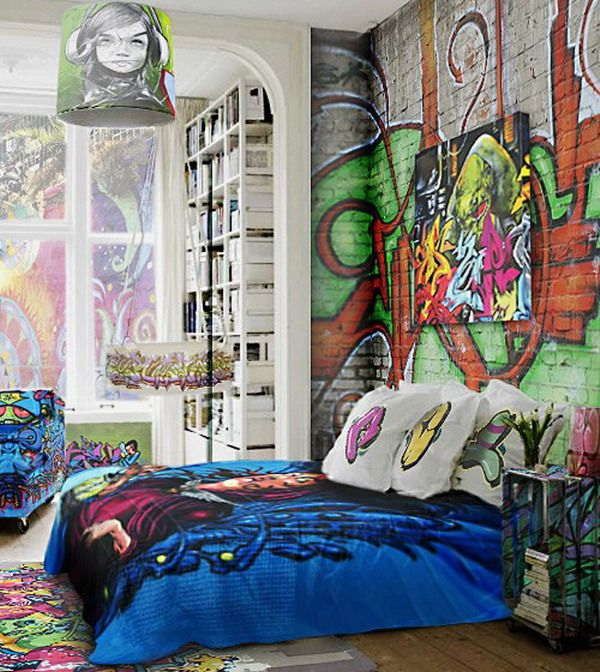 26 daring graffiti statement interior wall ideas digsdigs Painting graffiti on bedroom walls