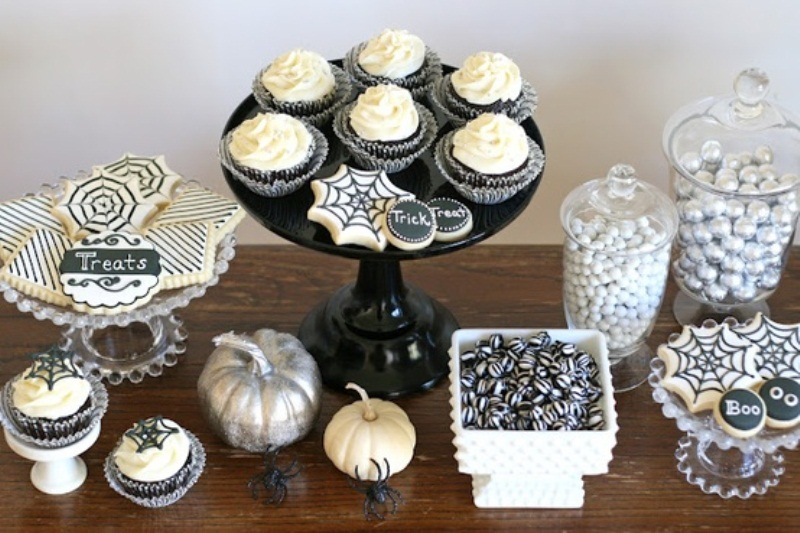 50 Ideas For Elegant Black And White Halloween Decor ...