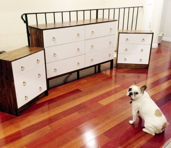an elegant Tarva hack with dark stained sides, white drawers with ring pulls is very chic