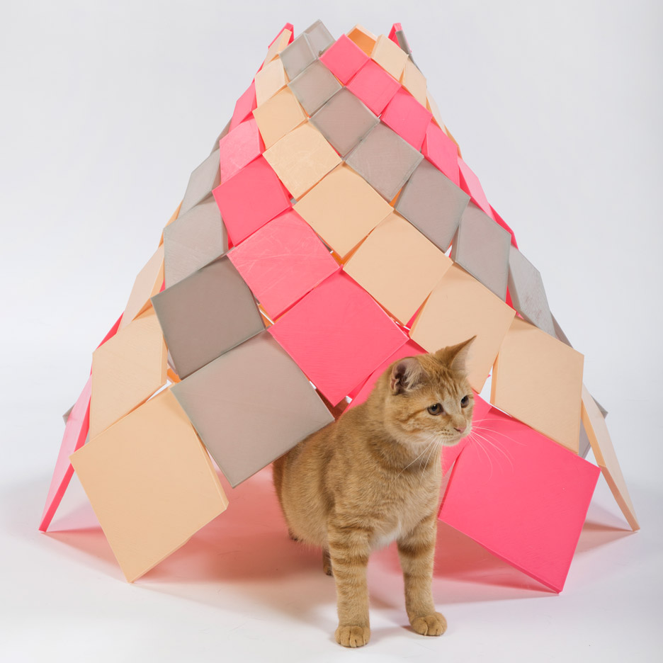 Picture Of imaginative and bold cat houses with futuristic designs  2