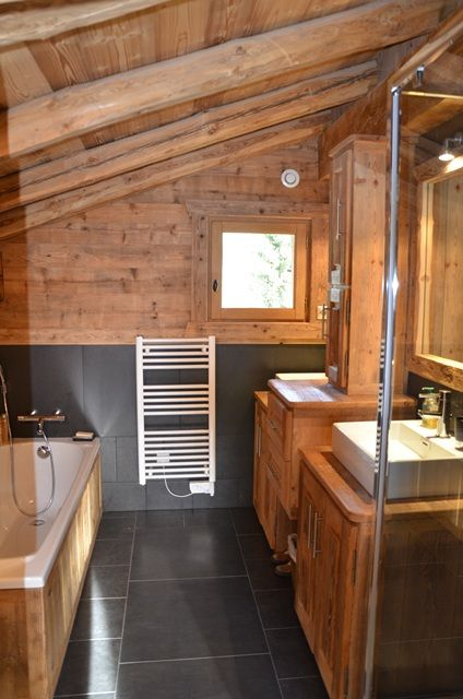 Impressive Chalet Bathroom Decor Ideas