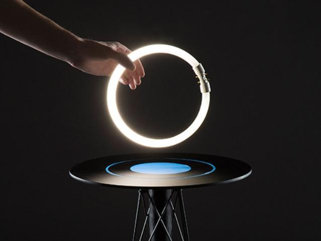 Impressive ElectroMagnetic Table By Florian Dussopt