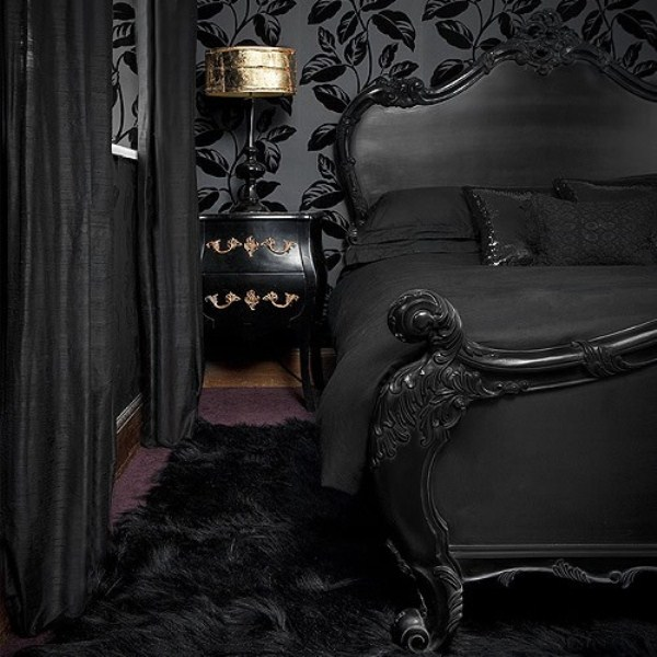 26 Impressive Gothic Bedroom Design Ideas