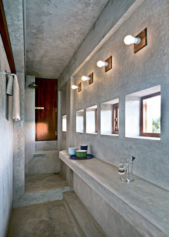 Indian House With An Extensive Use Of Concrete And Reclaimed Wood