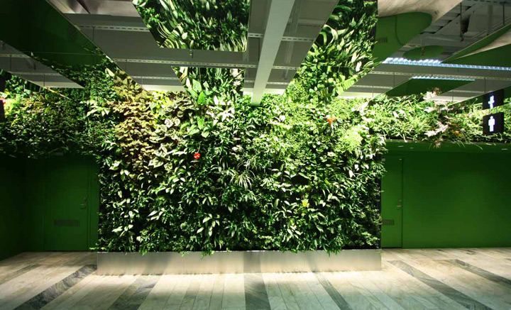 10 cool indoor vertical garden design examples digsdigs for Vertical garden designs