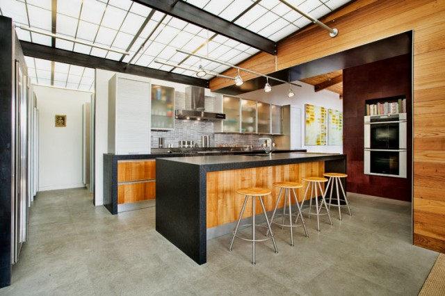 45 cool industrial kitchen designs that inspire digsdigs for Industrial modern kitchen designs