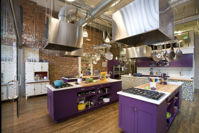 45 cool industrial kitchen designs that inspire digsdigs for Kitchen setting pictures