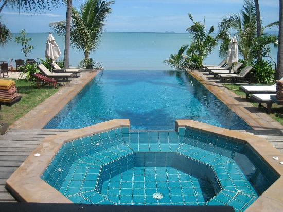 100 Amazing Infinity Pools To Blow Your Mind - DigsDigs