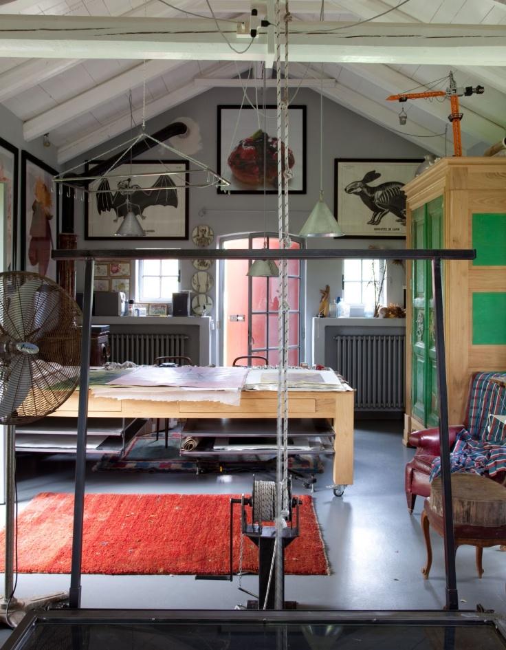 Picture of inspiring artist home studio designs for Art studio bedroom ideas