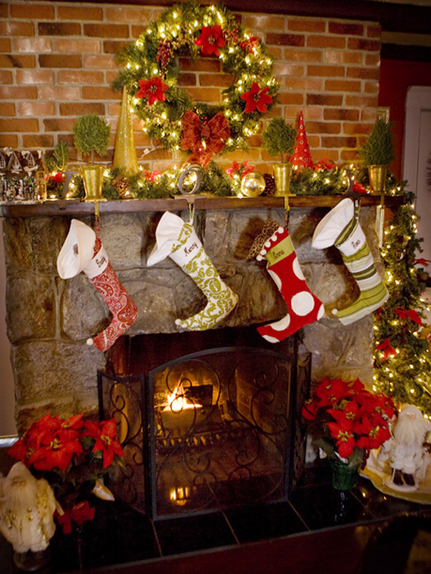 Decorating Ideas > 27 Inspiring Christmas Fireplace Mantel Decoration Ideas  ~ 053300_Holiday Decorating Ideas Mantel