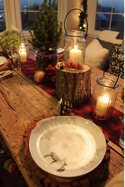 Inspiring Rustic Christmas Table Setting