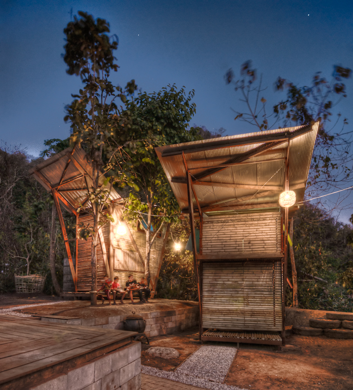 Small Iron Wood Prefab Houses With Butterfly Roof In