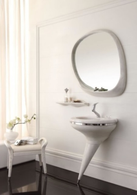 Isabella Pedestal Vanity Set To Make A Statement In A Bathroom