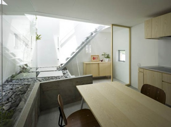 Japanese House Design With Garden Room Inside