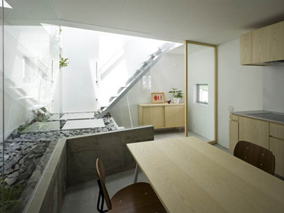 Japanese house design with garden room inside digsdigs - Tiny contemporary house interior ...
