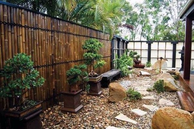 27 calm japanese inspired courtyard ideas digsdigs for Japanese garden designs