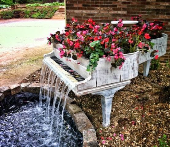 29 Joyful And Beautiful Backyard And Garden Fountains To Inspire