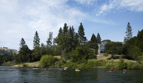 House Design Oriented Toward The River – Kayak House