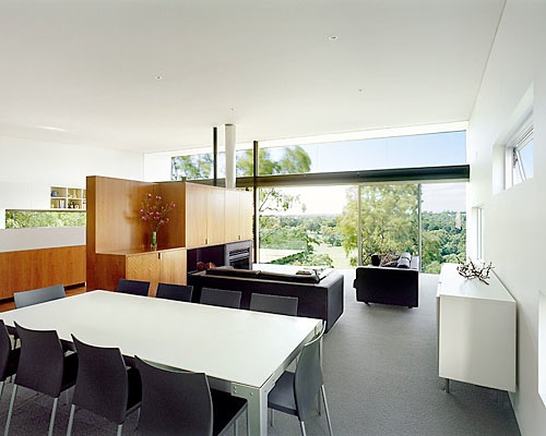 kew house dining area
