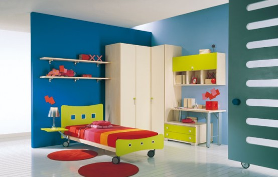 http://www.digsdigs.com/photos/kids-room-decor-idea-8-554x353.jpg