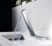 kitchen-and-bathroom-trend-flowing-faucets-11