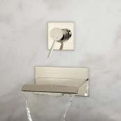 kitchen-and-bathroom-trend-flowing-faucets-13