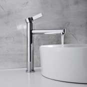 kitchen-and-bathroom-trend-flowing-faucets-17