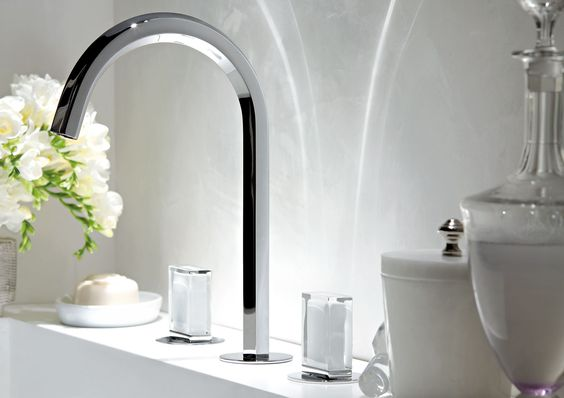 Picture Of kitchen and bathroom trend flowing faucets  20
