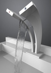 kitchen-and-bathroom-trend-flowing-faucets-7