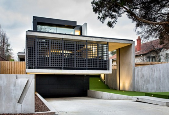 Laconic Minimalist House With Multi-Colored Touches