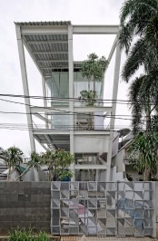 leaning-rumah-miring-house-with-minimalist-decor-1