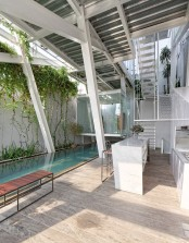 leaning-rumah-miring-house-with-minimalist-decor-4