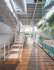 leaning-rumah-miring-house-with-minimalist-decor-5