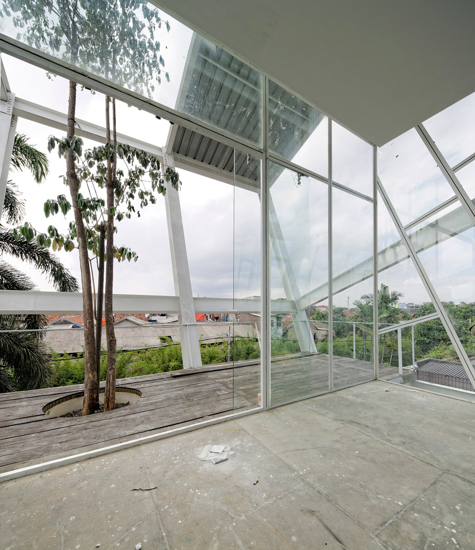 Picture Of leaning rumah miring house with minimalist decor  7