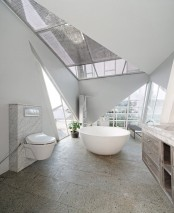 leaning-rumah-miring-house-with-minimalist-decor-8
