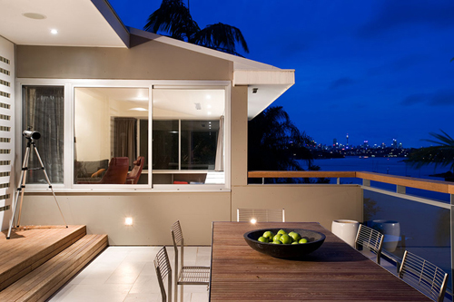 Light And Airy Waterfront House Design