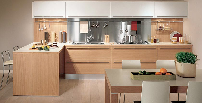 Light oak wooden kitchen designs digsdigs for Cocinas integrales para casas pequenas
