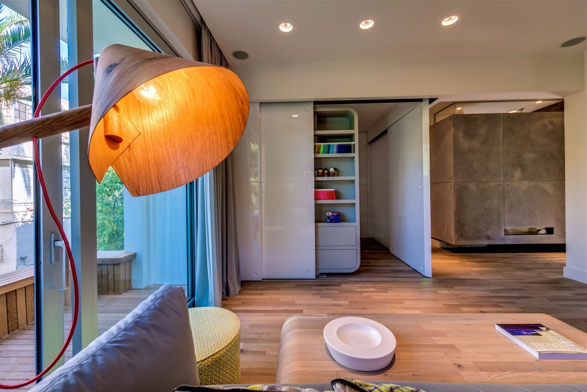 Lively Modern Apartment Interior Wrapped In Wood