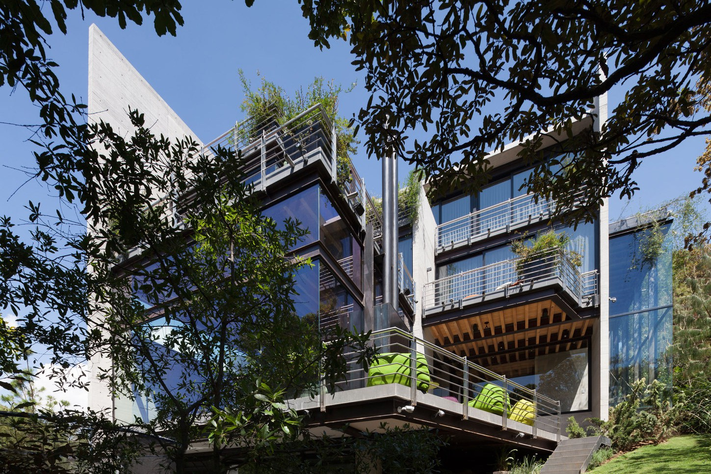 Picture Of living amidst the forest glazed tepozcuautla house  13