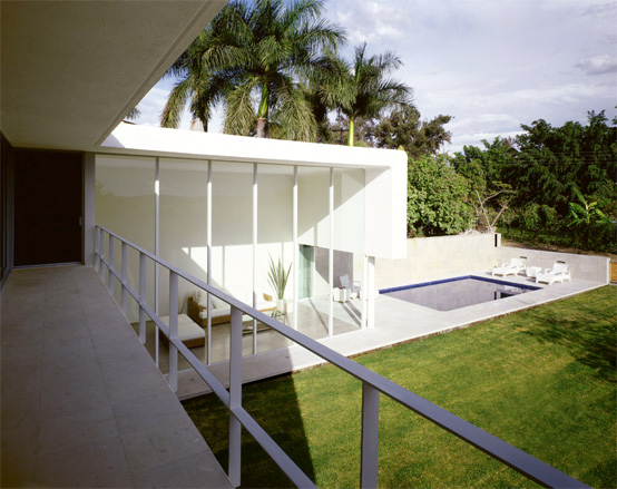 Los Amates Modern House In Mexico