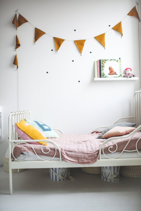 Design 3 People Room: Lovely And Cute Shared Room For Three Girls