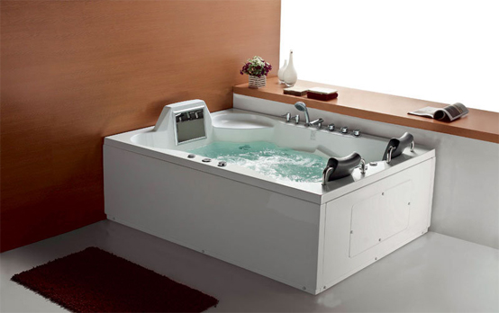 5 cool bathtubs with built in tvs digsdigs. Black Bedroom Furniture Sets. Home Design Ideas