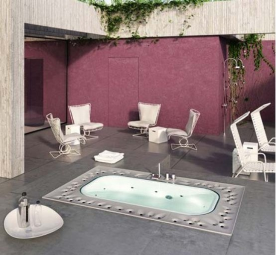 Luxurious Bathtub For Your Spa